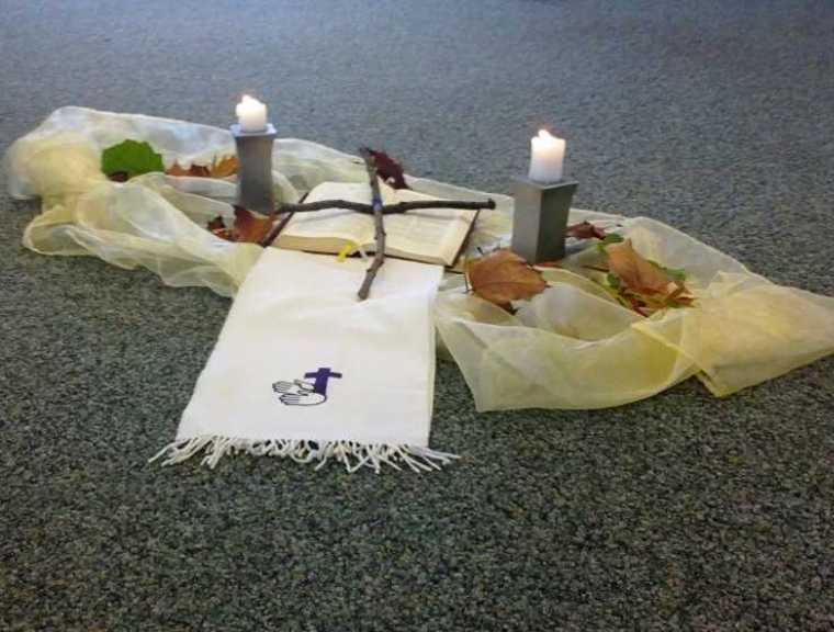 für den Abschlußgottesdienst am Morgen ist alles liebvoll vorbereitet
